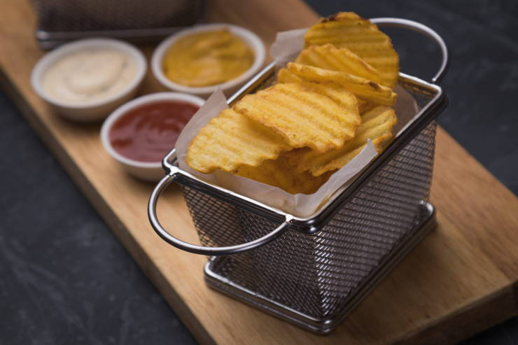 Low-Carb Chip Substitutes: Best Keto Chips with a Satisfying