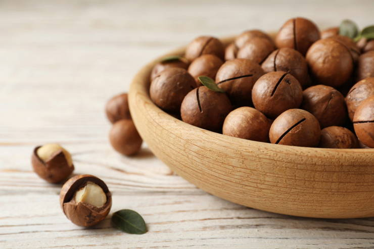 Macadamia Nuts: What You Need to Know About This High-Fat Snack